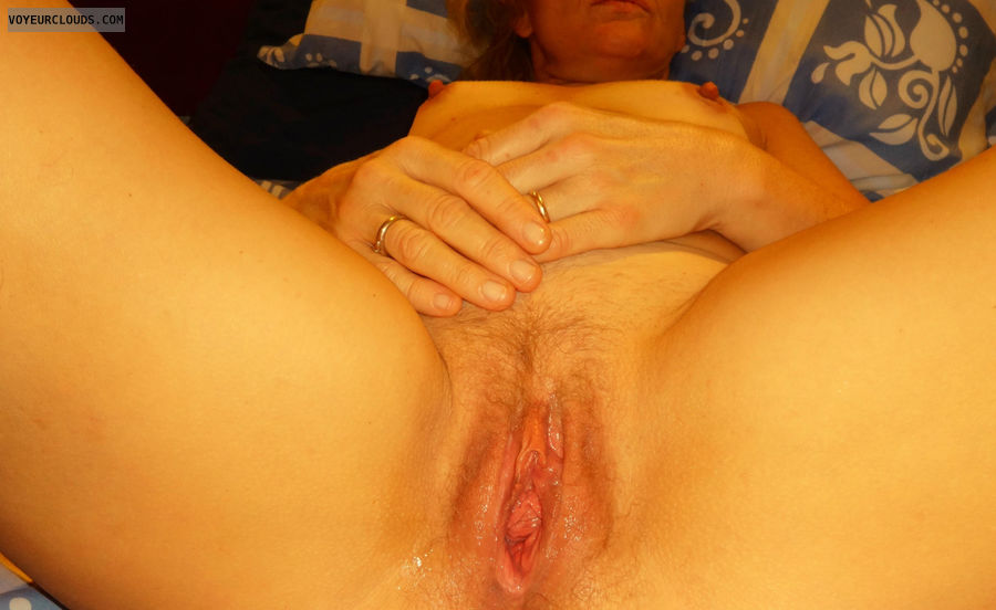 anna, wife, spread, open, vagina, cunt, pussy, labia
