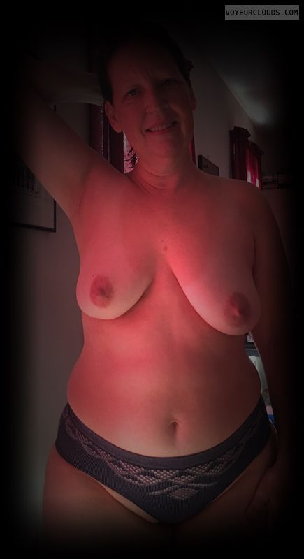 Dark Nipples, Saggy tits, big boobs, hard nipples