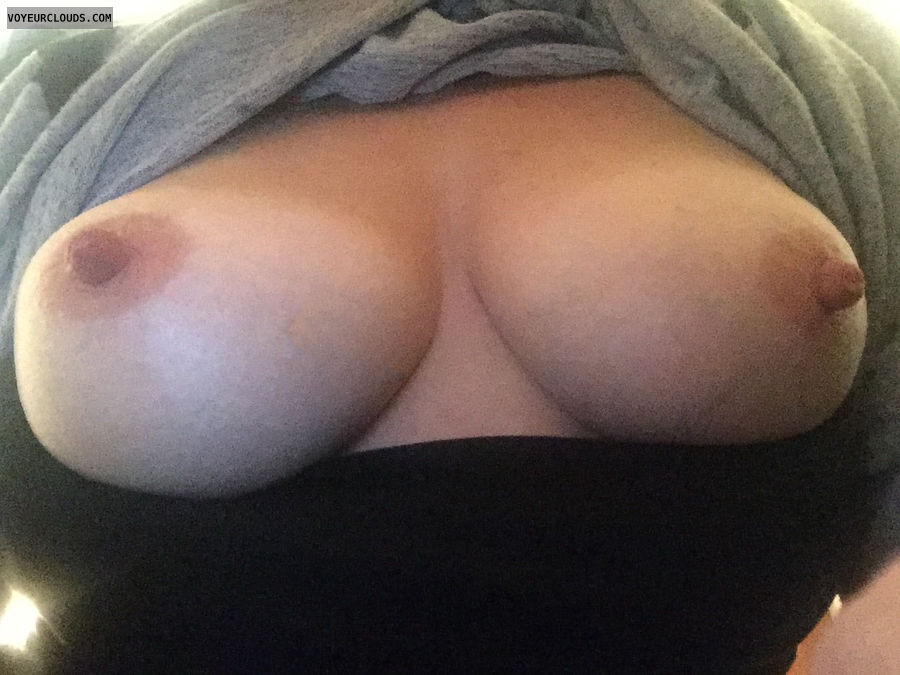 milf, wife, amateur, tits, nipples, flash