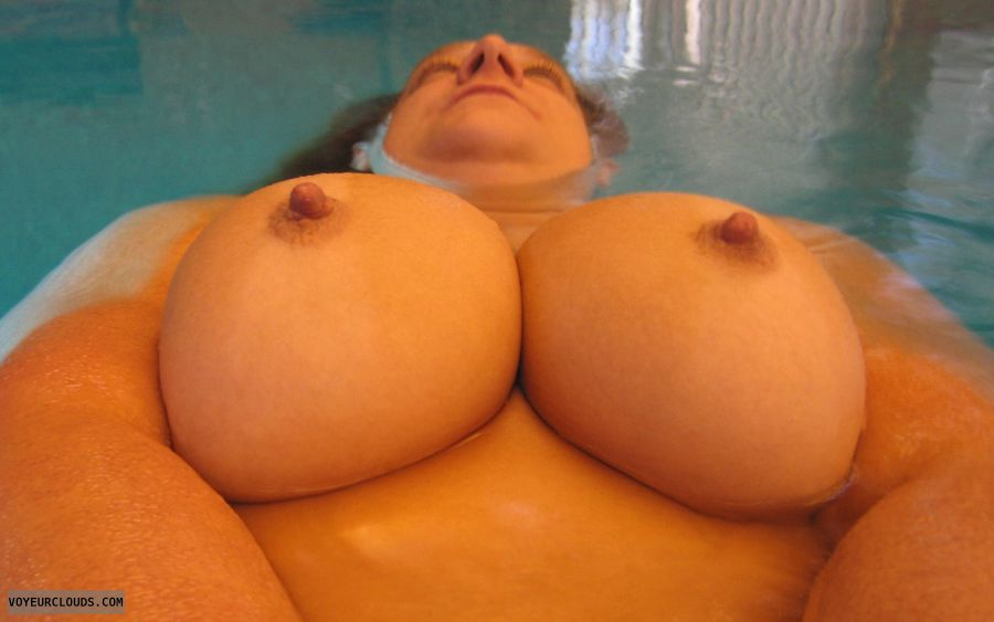 Big Tits, Boobies, Cleavage, Big Nipples, Cold Nipples