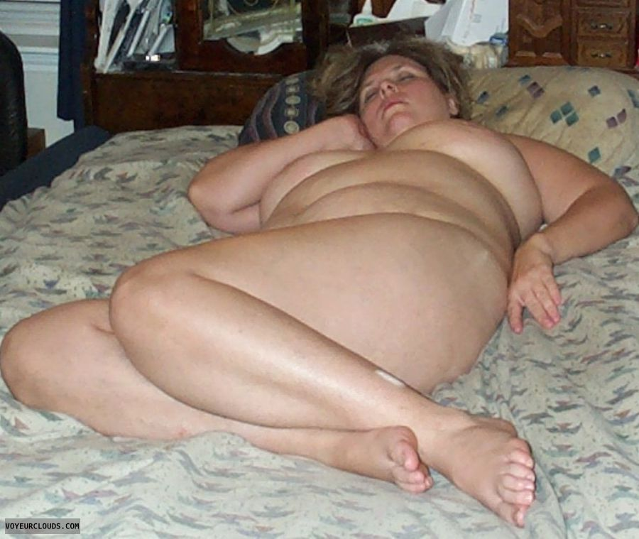 nude woman, round ass, big boobs, sleeping, relax