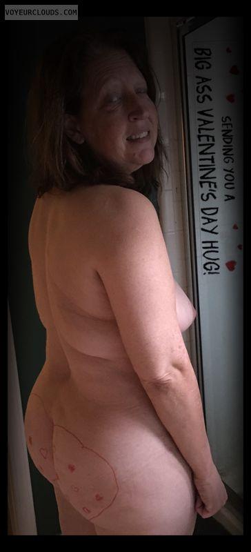Big Ass, Large Cheeks, Slut, Round Ass, Tit peek, Small tits