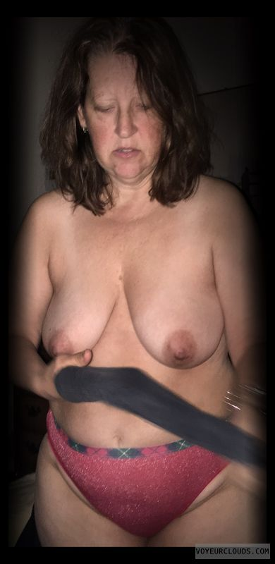 Dark Nipples, Topless, Wife tits, Saggy tits, Nude wife