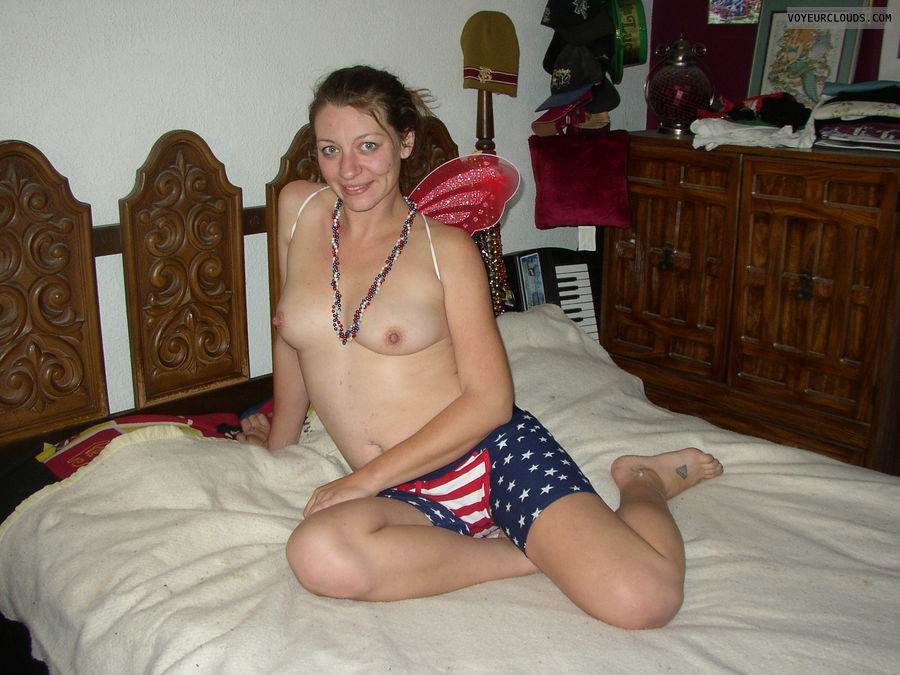 starsnstripes, boobs, beads