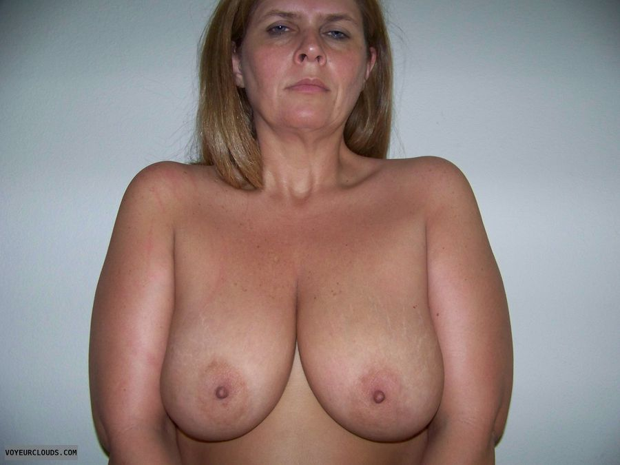 topless, hard nipples, big boobs, big tits