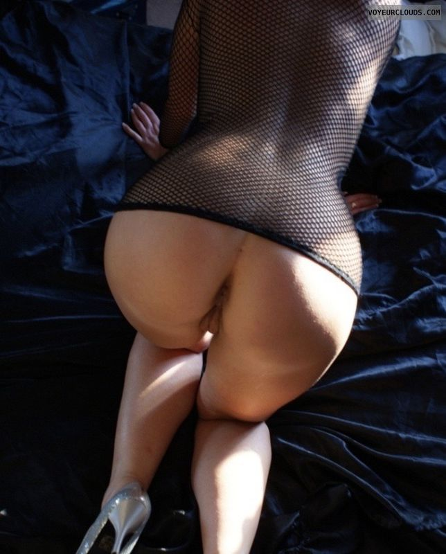 Curvy ass, round ass, high heels, nude milf, milf wife