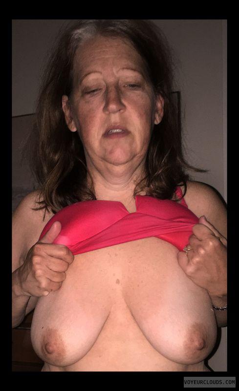 Wife boobs, Mature, Hard nipples, Titflash