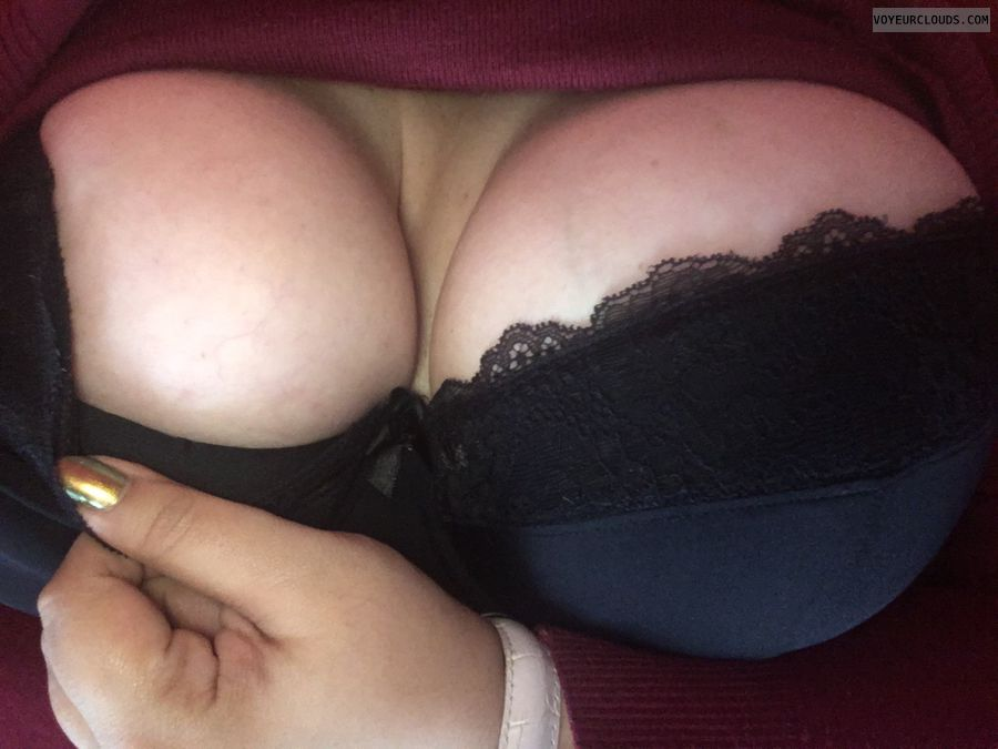 black bra, big boobs, big tits, deep cleavage