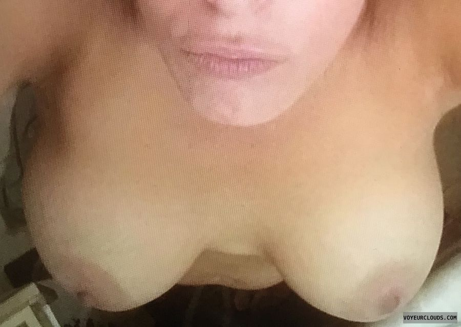 Hotwife, Tribute Me, Facial