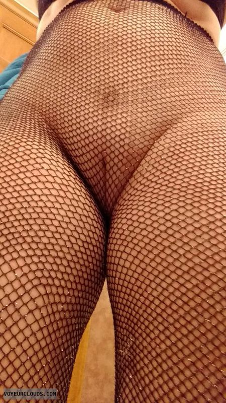 No panties, stockings, pantyhose, fishnet, landing strip