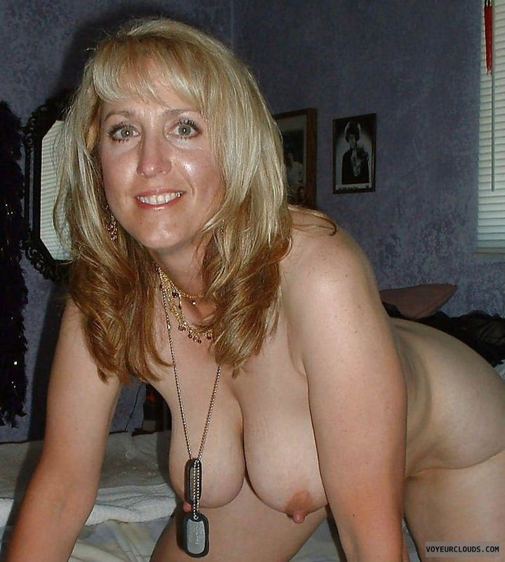 naked mom, nude mom, mom, wife, milf, naked milf, naked wife