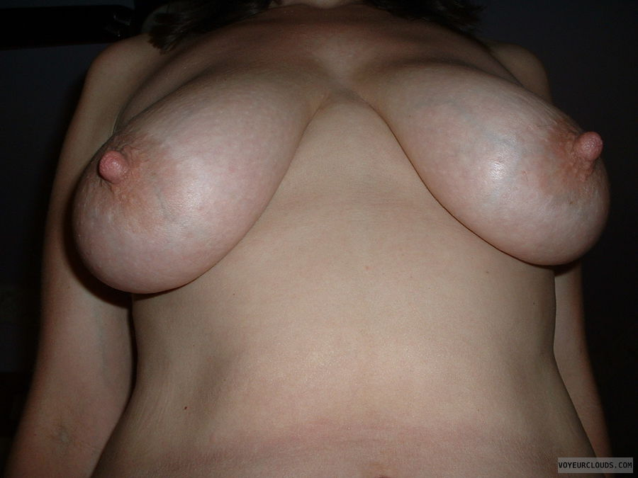 one tit, one tit out, nipple, big nipple, nipples