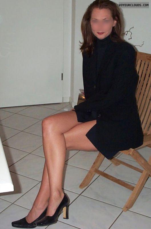 My favorite mini skirt; long legs; need something in between