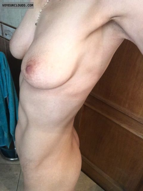 nude woman, round ass, hard nipples, selfie