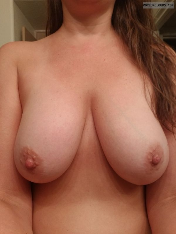 nipples, boobs, topless, selfie