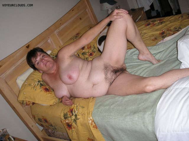 mature woman, hairy cunt, hairy pussy, posing