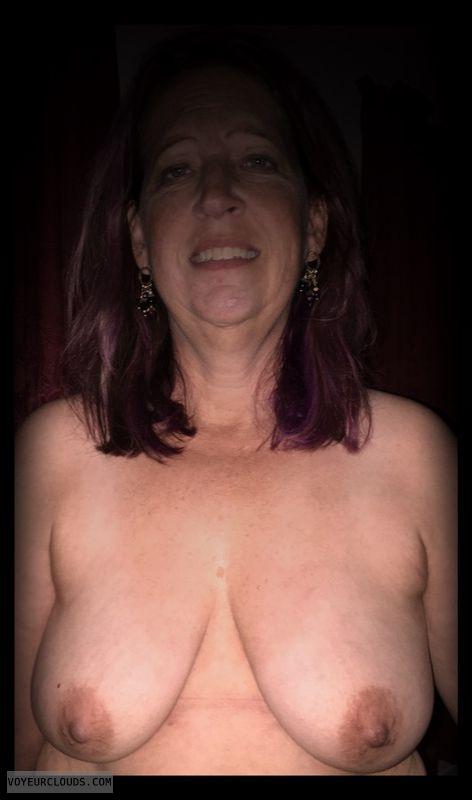 Small boobs, Nice smile, Saggy tits, Harlot