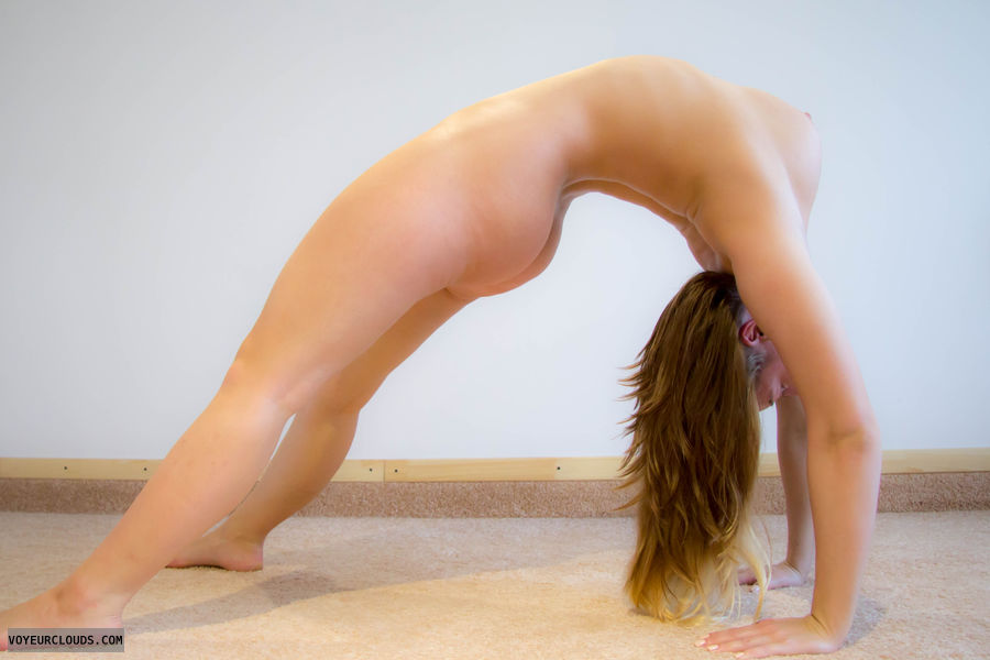 yoga, naked yoga, flexible