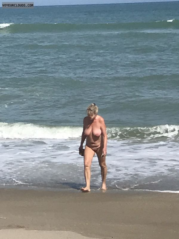 nude woman, naked outdoor, big boobs, beach pic
