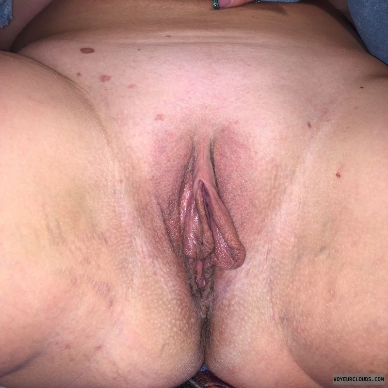 Large labia, shaved