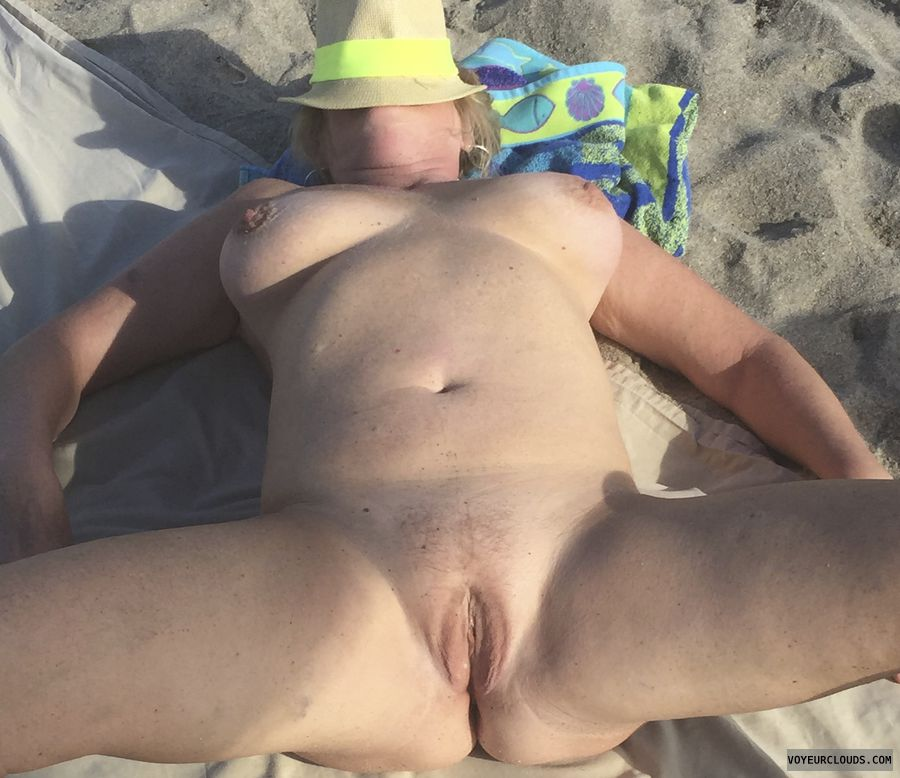 pussy, shaved, nude, beach, tits, bobs, ass, breasts