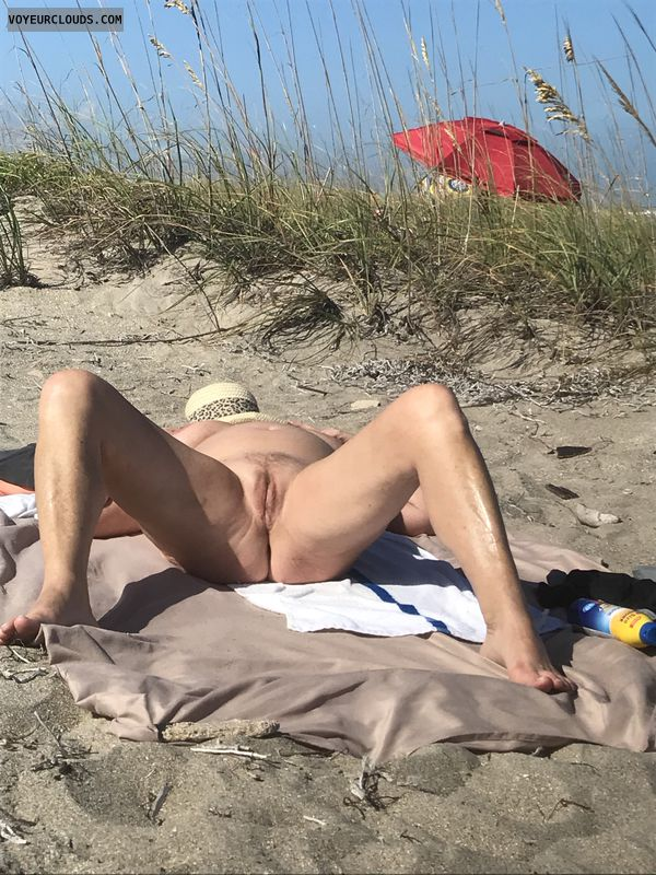 legs, thighs, pussy, nude, beach, pik, spread, tits