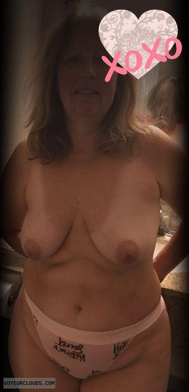 Nice smile, Saggy tits, Big hips, Older, Little boobs