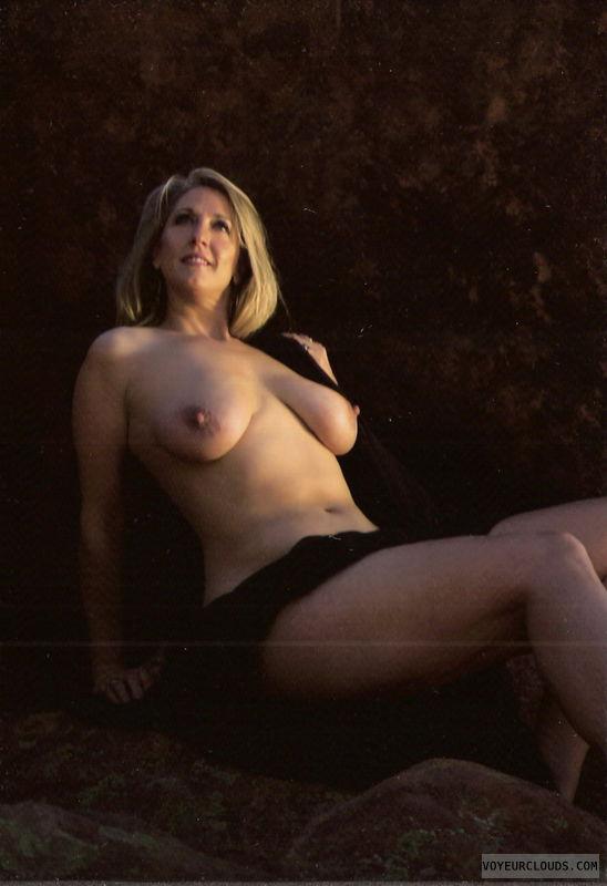tits, big tits, saggy, saggy tits, hangers, hanging tits