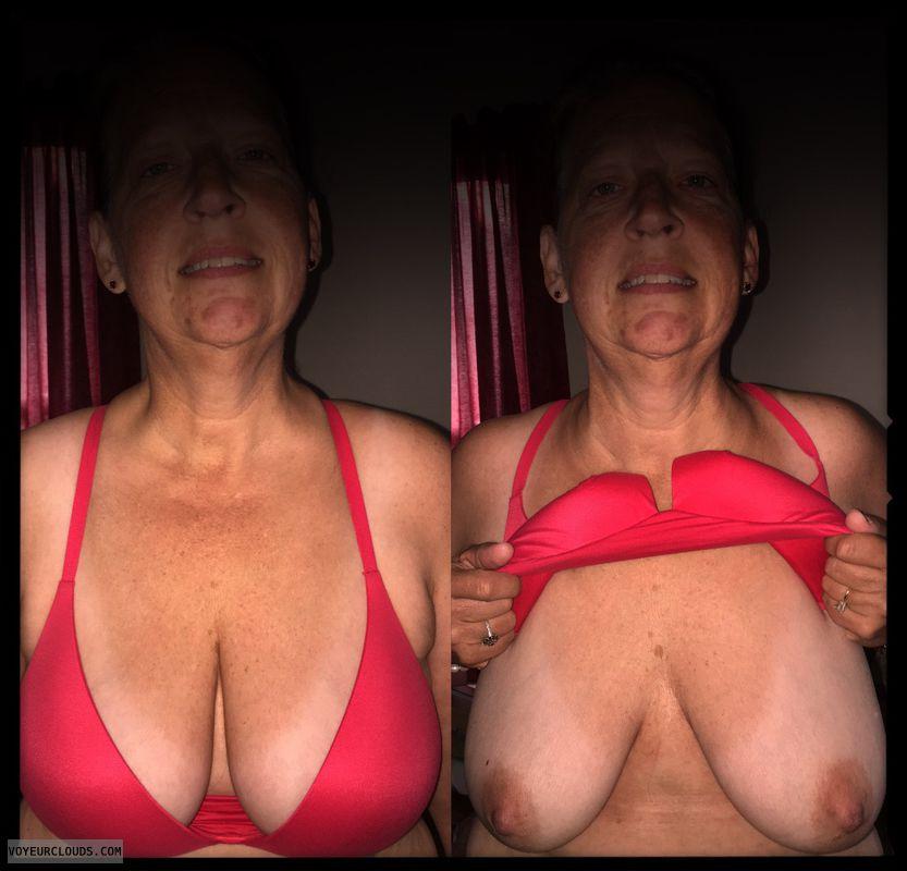 Titflash, Nice smile, Big boobs, Saggy tits, Older