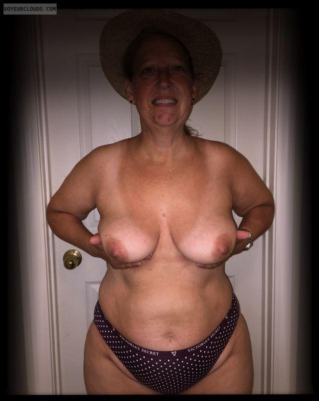 Nice smile, Saggy tits, Dark nips, Little boobs, Older