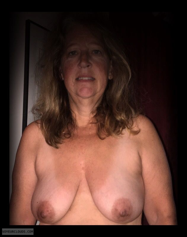 Dark nips, Saggy tits, Older, Little boobs, OK Tits
