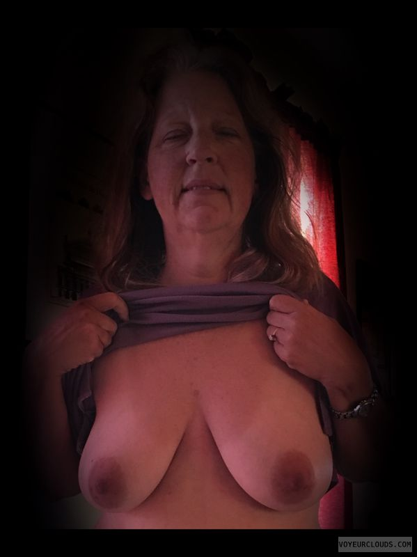 Dark nips, Saggy tits, Older, OK Tits, Titflash