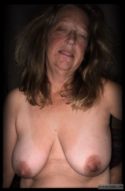 Saggy tits, Dark nips, Older, OK Tits, Nice smile