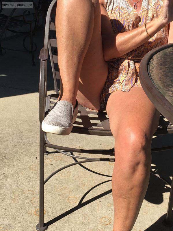 Legs pantiless pussy