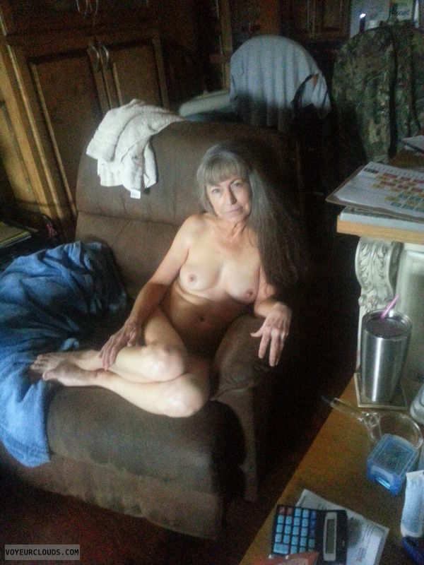 Mature wife nude, nice tits
