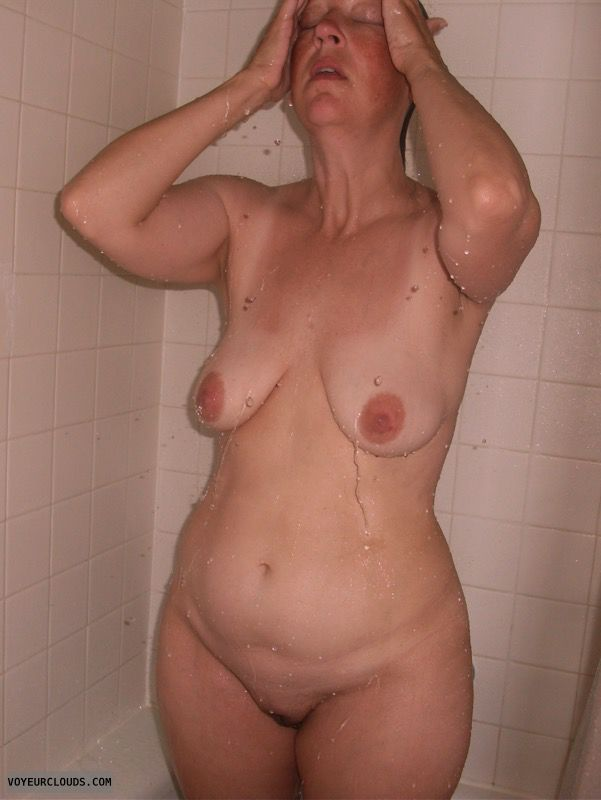 Shower, Dark nips, Saggy boobs, Full frontal, Older