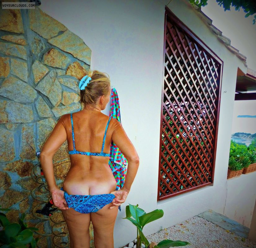 anna, wife, peep, ass, outside shower