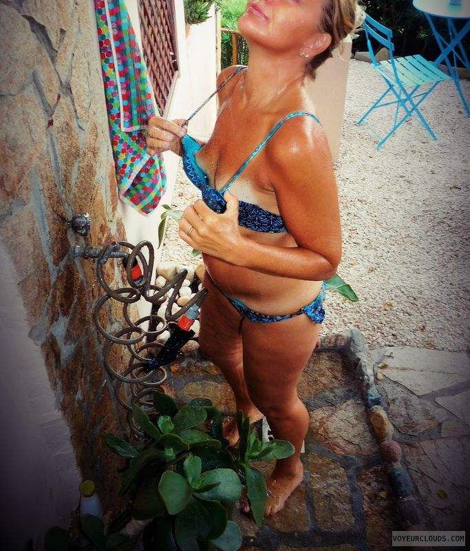 anna, wife, peek, nipples, outside shower
