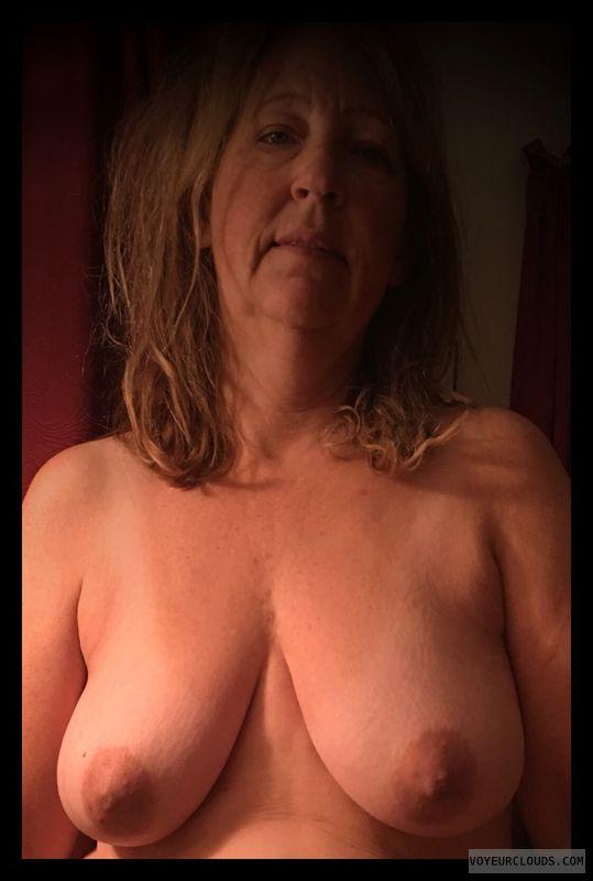 Saggy boobs, Dark nips, 36D, Smirk, OK Tits