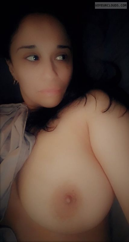 julia, latina, big tits, 805, nipples, long hair, posing