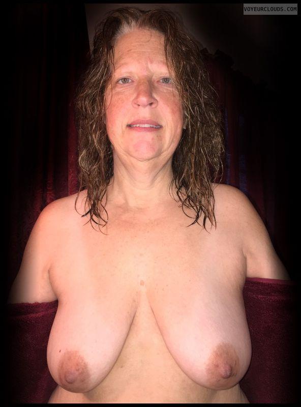 Titflash, Nice smile, OK Boobs, Immature, Big Boobs