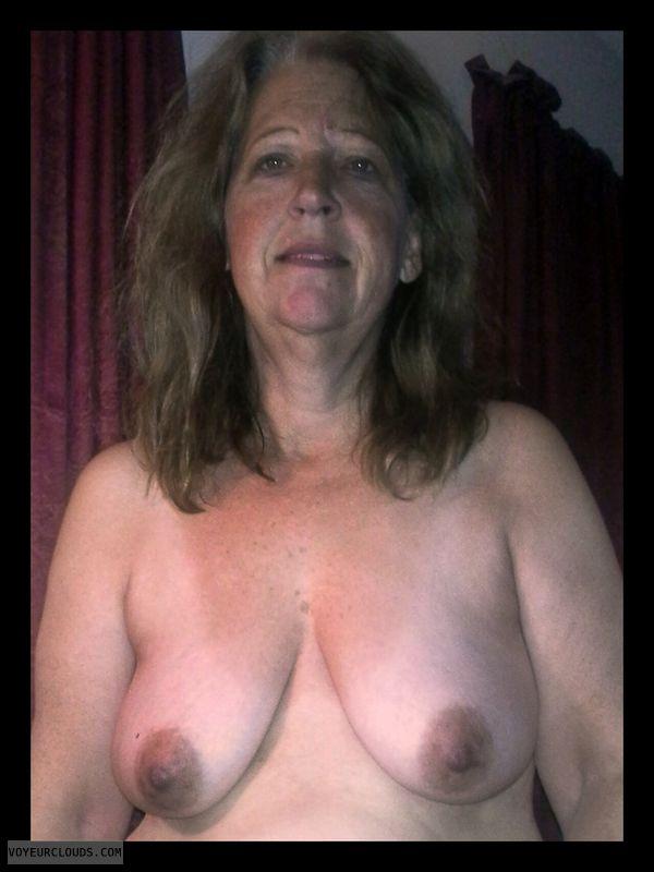 Smirk, Brown nips, Big Boobs, Titflash, 36D, Immature