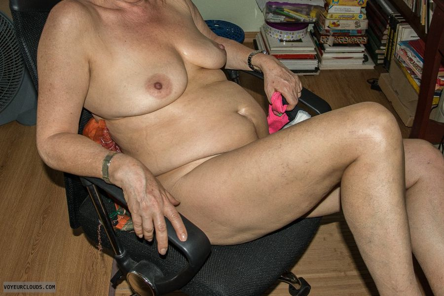 tits, legs, wife nude