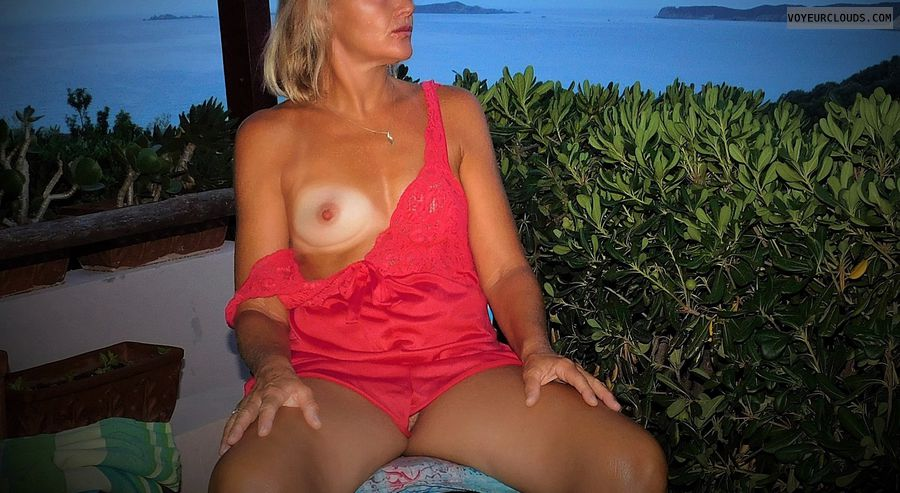anna, wife, outdoors, spread, cunt, pussy, tits, nipples