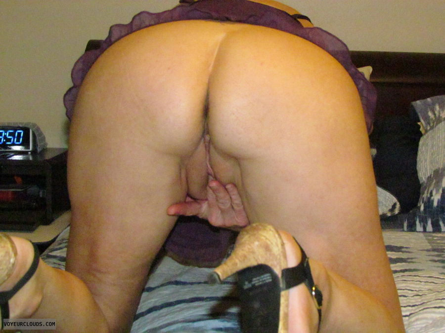 rubbing pussy, smooth pussy, nice ass, asshole, exhibitionist