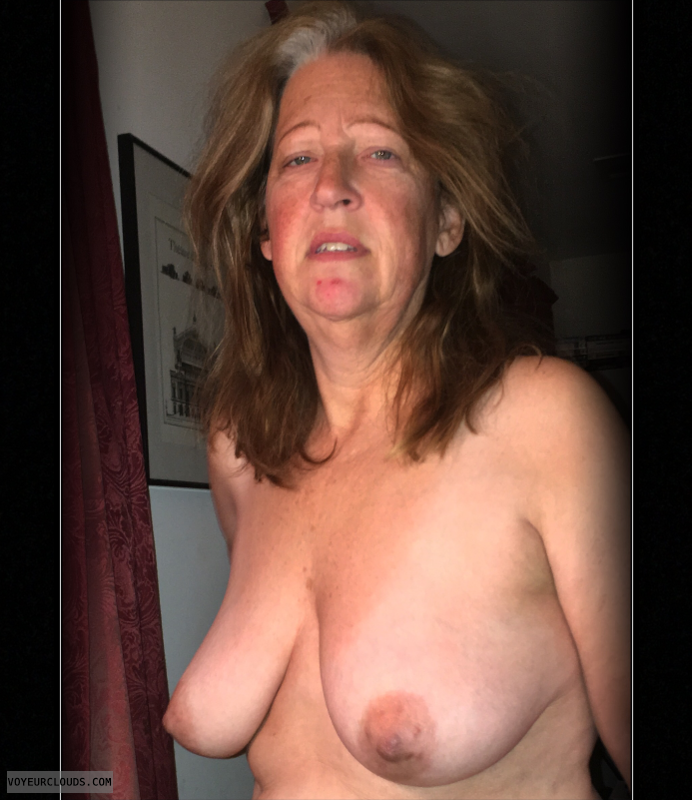 OK Tits, 36D, Nude wife, Saggy boobs, Brown nips, Dark nips