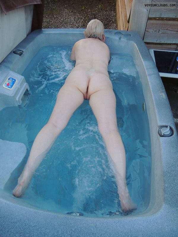 naked, nude, full nude, bare, ass, wife ass, milf ass