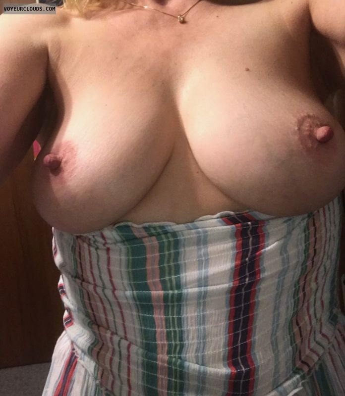 Uncontained, hippie, 2 tits