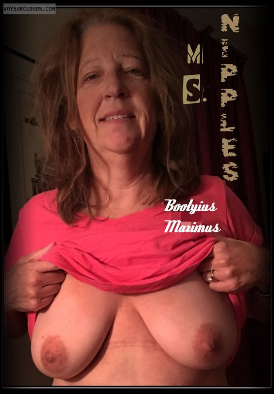 Titflash, OK Smile, 36D, AARP, Brown nips, Hard nipples