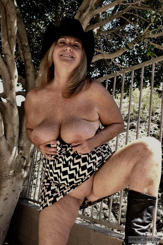 Showall, Exibiotinis, Voyure, Naked Outdoors, Sexy Wife